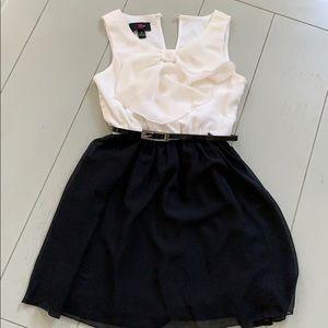 Size 8 girls dress worn once